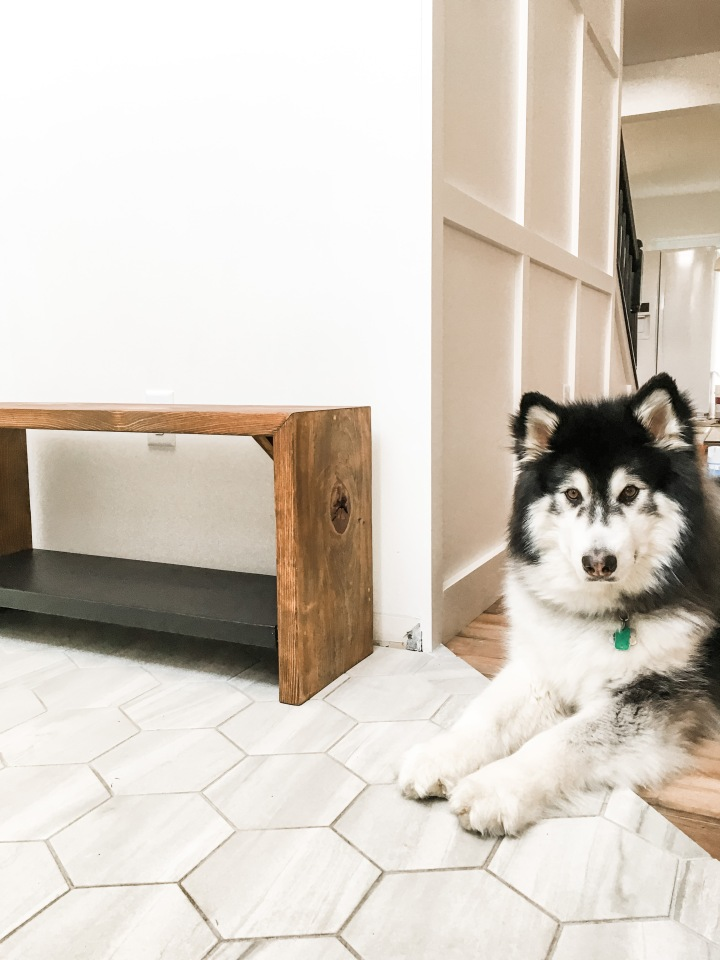 $25 DIY Entryway Bench